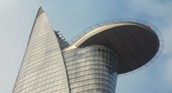 Tòa nhà Bitexco Financial với sân bay trực thăng làm bằng thép
