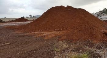 Việt Nam tạm dừng xuất khẩu quặng sắt sang Trung Quốc do nghi bán giá thấp