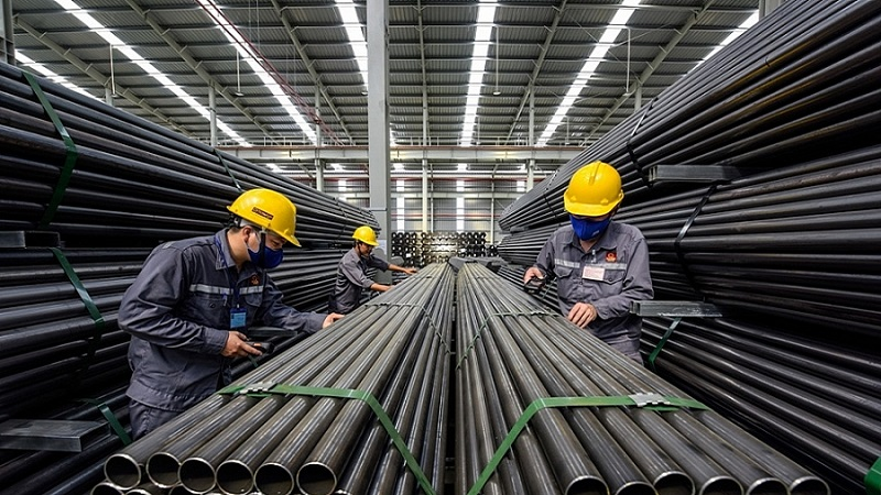 Nhiều triển vọng phục hồi cho ngành thép và xi măng
