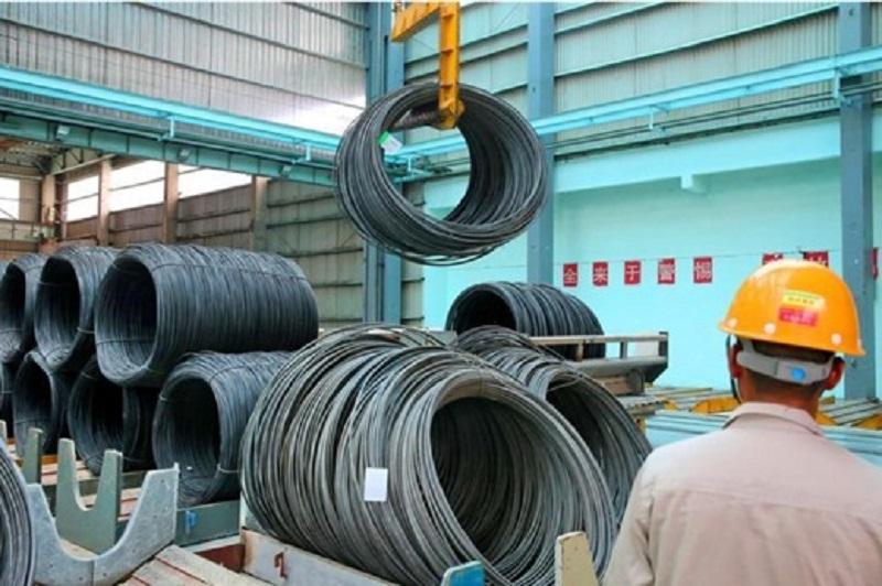 Lần đầu tiên sản lượng thép thô của Trung Quốc giảm trong 21 tháng