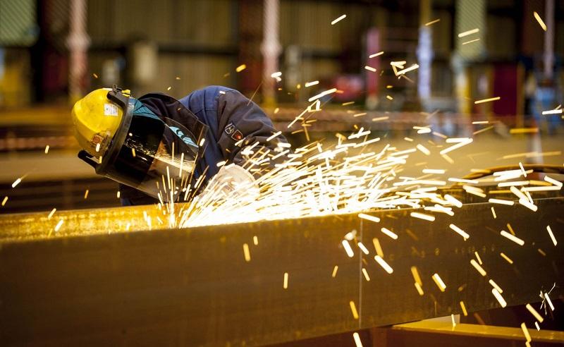 Tại Việt Nam, sản xuất thép tháng 11 đạt trên 2,1 triệu tấn, tương đương tháng trước và cùng kì năm ngoái. Sản lượng bán hàng hơn 2 triệu tấn, cùng tăng trên 9% so với cùng kì năm ngoái.
